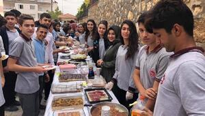 Besni'de Mehmetçiğe moral kermesi