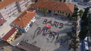 Öğrencilerden Barış Pınarı koreografisi