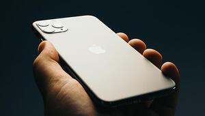iPhone 11 modelleri ve Apple Watch Series 5 ilk sahipleriyle buluştu