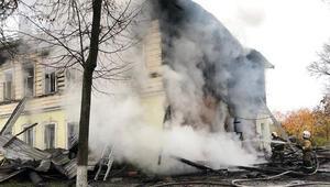 Rusyada 2 katlı binada yangın: 6sı çocuk 7 ölü