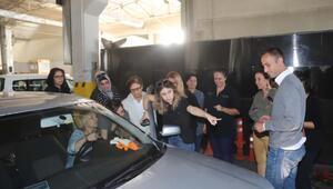 Kadınlara araba bakım kursu