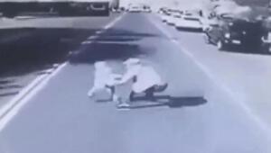 Bir anda caddeye fırlayınca babasının ölümüne neden oldu