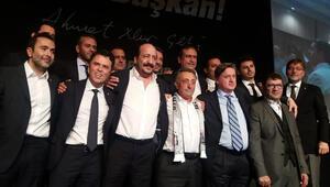 Ahmet Nur Çebi: Beşiktaşın geleceğine zincir vuran düzeni yıkmaya geliyorum