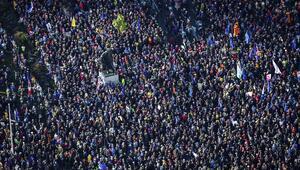 Dünyanın gözü buradaydı! 1 milyon kişi yürüdü