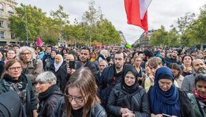Paris'te İslamofobiye karşı gösteri