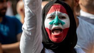 Lübnanda 4 bakanın istifası istendi