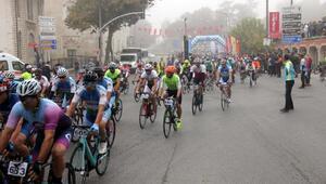 Edirnede, Cumhuriyet Kupası Bisiklet Yol Yarışı yapıldı