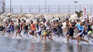 Triatletler Mersinde sahaya indi