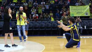 Fenerbahçe Beko maçında sürpriz teklif