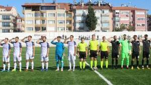 Burdurda futbolculardan asker selamı