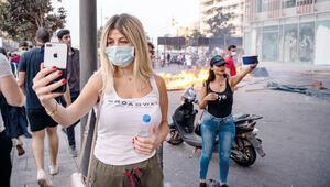 Lübnan'da göstericiler Hariri'nin istifasını istiyor