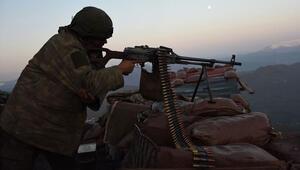 Mardinde PKKlı teröristlerle çatışma: 1 asker şehit