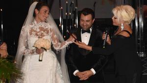 Ferruh Taşdemir ve Eftelya Kökbudak nikah masasına oturdu! Evlilik cüzdanını Ajda Pekkan verdi!