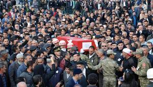 Şehit er Sezai Eşkioğlunu Erzurumda 20 bin kişi son yolculuğuna uğurladı