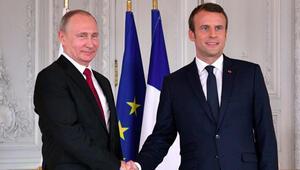 Putin ve Macron telefonda Suriyeyi görüştü