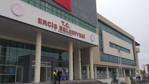 Ercişte gözaltındaki HDPli Çetinin yerine Kaymakam görevlendirildi