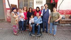 Tiyatro geliri geliriyle bedensel engelliye akülü sandalye alındı