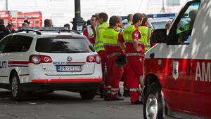 Norveçte silahlı bir adam ambulans çalıp çok sayıda kişiye çarptı