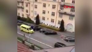 Ambulans çalan silahlı kişi, yayaları ezdi