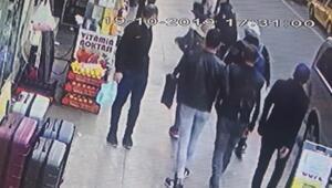 Taksim Meydanında polis kovaladığı kapkaç şüphelisini böyle yakaladı