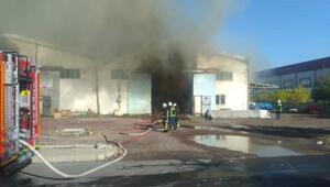 Kayseride mutfak malzemesi fabrikasında yangın
