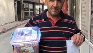 Çerez satarak kazandığı 100 lirayı Mehmetçik Vakfına bağışladı