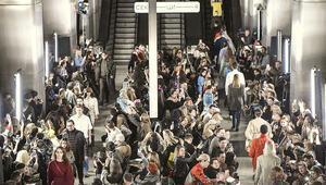 Metroda defile