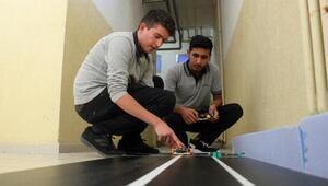 Güneş robot, araçların kaza yapmasını önleyecek