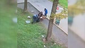 Rögara düşen çocuğu annesi saniyeler içinde kurtardı
