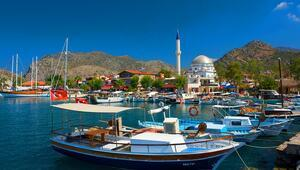 Türkiye'nin en zengin köyü Maldivlerden farksız deniziyle dikkat çekiyor...