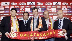 Michael Skibbe, Galatasarayı bombaladı