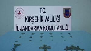 Kırşehirde motosikletin deposunda 21 tarihi eser ele geçirildi