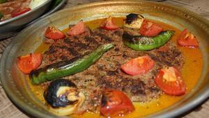 Hatay mutfağının vazgeçilmez lezzeti; Tepsi Kebabı