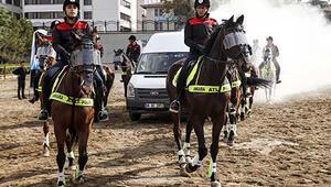 Atlı birliklere iki aşamalı eğitim