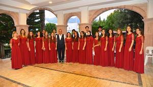 CARNEGIE HALL'DE 'TÜRK EZGİLERİ'