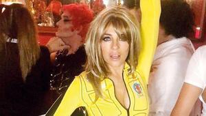 Sarı tulumlu 'gelin' oldu