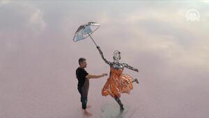 Tuz Gölünden İstanbula kadının gücü heykeli