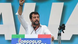 İtalyada Salvini liderliğindeki sağdan tarihi zafer