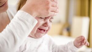 Bebeklerin ateşini, sütün veya banyo suyunun sıcaklığını ölçen cihaz