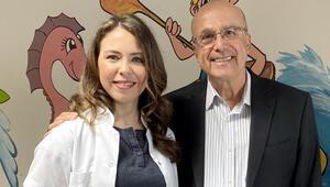 Ameliyatını yapan cerrahla 20 yıl sonra meslektaşı olarak karşılaştı