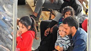 Çeşmede 73 düzensiz göçmen yakalandı