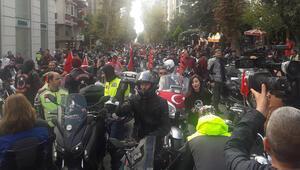 Yüzlerce motosikletçi Cumhuriyet konvoyu oluşturdu