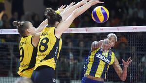 VakıfBankın ilk yenilgisi Fenerbahçeden