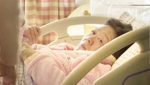 67 yaşında doğal yolla anne oldu