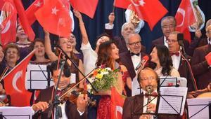 Nazillide şarkılar Cumhuriyetin 96ncı yıl dönümü için söylendi