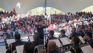 Eskişehirde, askeri bando konserine yoğun ilgi