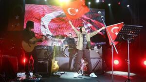 Aydında Cumhuriyetin 96ncı yılına  konserli, ışık ve ses gösterili kutlama