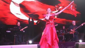 Cumhuriyet Bayramında Candan Erçetin konseri