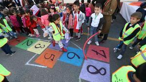 Kızılay Sokağı eğitim dolu