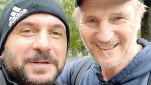 Liam Neeson ile Özgür Tekenin sürpriz buluşması